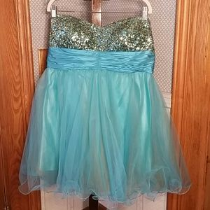 👗Blue and Gold Sequin Strapless Dress👗